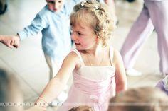 Dzieci na weselu  Fotografia ślubna Wrocław, Anna Tyniec.  https://www.facebook.com/AnnaTyniecFotografie