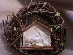 "Arnold Grummer's Papermaking: ""Nativity Wreath"""