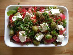 Sałatka grecka polski sposób Cobb Salad, Potato Salad, Potatoes, Meat, Chicken, Ethnic Recipes, Food, Pineapple, Potato
