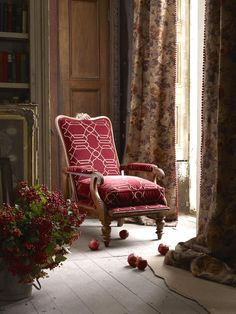 fin de siecle interior design - bring in some furniture like this??