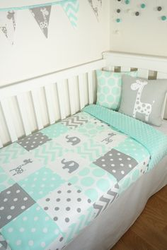 Patchwork quilt nursery set - Mint and grey giraffes and elephants