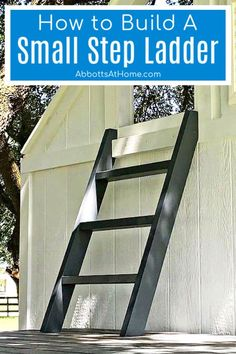 Step by step tutorial and how to video for how to build a small step ladder from 2x4's. Woodworking Tutorials, Green Woodworking, Woodworking Projects That Sell, Woodworking Workbench, Woodworking Joints, Woodworking Classes, Woodworking Crafts, Small Step Ladders, Diy Furniture Plans