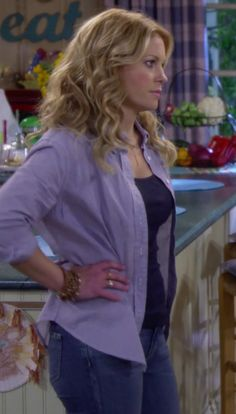 Candace Cameron- Fuller House Outfit #cute #simple #fashionstyle