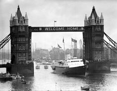 The Royal Yacht Britannia passes through Tower Bridge, wearing a 'Welcome Home' sign, as she entered the Pool of London at the end of a mile journey for the Queen and Duke of Edinburgh, whom she had brought home from the tour of the Commonwealth. Blood Photos, Welcome Home Signs, Tower Bridge London, New London, London Pride, London Architecture, London History, Photography Lessons, River Thames