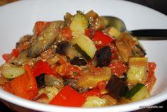 Рататуй экспресс (Ratatouille) Types Of Salad, Russian Recipes, Bulgarian, Eggplant, Salad Recipes, Pork, Polish, Foods, Sweet