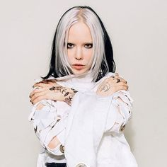 """""""Anger Can Be Power"""": Alice Glass On Moving Forward And Not Being A Perfect Survivor Hair Inspo, Hair Inspiration, In Loco, Cyberpunk Girl, Crystal Castle, Hair Streaks, Gothic Aesthetic, Hair Reference, Alternative Girls"""