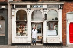 Shopfronts of Dublin: a very lovely photo project indeed · TheJournal. Stuff To Do, Things To Do, Cool Stuff, Dublin, Underground Bar, Old Irish, Luck Of The Irish, Irish Luck, Photo Projects