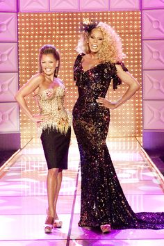 New York's Drag Queen Shows for over 20 YEARS! Dinner, Drinks & Drag Show nightly. Celebrate your birthday or bachelorette party at Lips NYC Chris Williams, Vanessa Lynn Williams, Fierce Women, Tall People, Golden Girls, Rupaul, Celebs, Celebrities, New York