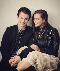 A part of me still loves you ❤ Dylan Minnette and Katherine Langford 13 Reasons Why Reasons, 13 Reasons Why Netflix, Thirteen Reasons Why, Series Movies, Tv Series, Netflix Series, Clay And Hannah, Serie Du Moment, Welcome To Your Tape
