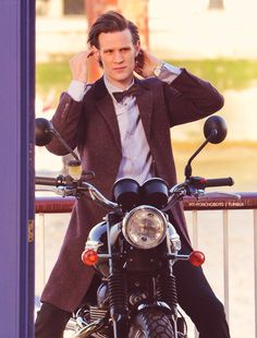 I love Matt Smith! And his hair! (he loves his hair too)