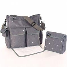 Le sac à langer avec tapis à langer Gaby de la marque Walking Mum est un compagnon précieux pour ranger les affaires de change, le goûter et les accessoires dont bébé a besoin. Muni d'un tapis à langer, d'une trousse de toilette et d'un range sucette, ce sac léger et résistant permettra de changer bébé en toutes circonstances.