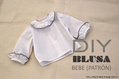 Buenos días!!!! Hoy compartimos otro post para bebés. Ya veis que vamos alternando entre costura de prendas de ropa para mujer y prendas para bebés. En esta ocasión quería mostraros una blusa que hemo