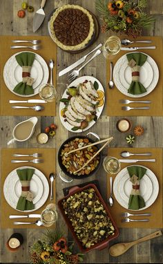Holiday Hosting 101 ~~ Just how do you set the perfect Thanksgiving table? Stick to warm, rustic colors and expertly styled dishes.