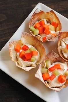 Veggie Pizza Wonton Cups - An elegant and easy party appetizer alternative to veggies and ranch dressing.   foxeslovelemons.com