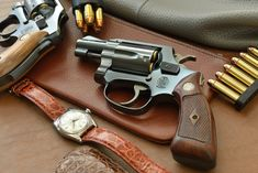 Smith And Wesson Revolvers, Smith N Wesson, Detective Movies, Colt Python, Countries And Flags, Buck Knives, Edc Gear, Weapons Guns, Self Defense