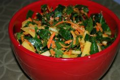http://pinterest.com/pin/find/?url=http%3A%2F%2Fkidtestedfirefighterapproved.com%2F2011%2F10%2F04%2Fhearty-salads-that-keep-in-the-fridge-for-days%2F  Raw Collard/apple/etc salad