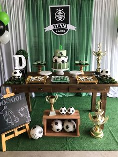 Today you will learn to organize and decorate the best children's party with a soccer theme, because we attach an idea for every detail. Decoration of a Soccer Birthday Parties, Football Birthday, Soccer Party, Sports Party, Boy Birthday, Party Centerpieces, Birthday Party Decorations, Party Themes, Football Themes