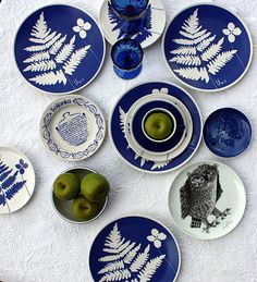 play on blue and owl
