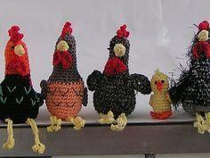 free crochet pattern chicken flock : Free crochet pattern Chicken hatchet what you need: Cotton yarn (for example Catania) in different colors Crochet hook No. Filling wool black half pearls (optional) Stopfnadel Abbreviations: M = mesh LU = Luftma Diy Crochet, Crochet Toys, Crochet For Kids, Cotton Crochet, Easter Crafts, Fun Crafts, Diy And Crafts, Knitting Patterns, Crochet Patterns