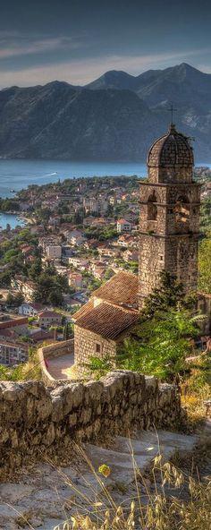 Increíble imagen de la bahía de Koton en Montenegro.