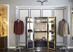 Pop-Up Larusmiani, a Milanese brand founded in 1922. Menswear collection available at Santa Eulalia store.  Passeig de Gràcia 93, Barcelona.