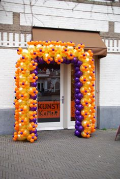 Opening van de Kunstkamer met ballonnenboog van Bollair