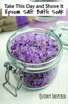 Three Easy Foot Soak Recipes for Self-Care or Gifting Make this easy, affordable, and relaxing Mother's Day gift – a luxurious lavender foot soak. It's a gre Homemade Foot Soaks, Diy Foot Soak, Homemade Skin Care, How To Make Homemade, Homemade Beauty, Bath Bomb Recipes, No Salt Recipes, Neutrogena, Epsom Salt Foot Soak