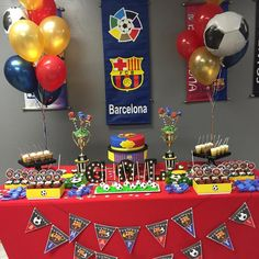ideas para un cumpleaños del barcelona Messi Birthday, Soccer Birthday Parties, Birthday Themes For Boys, Football Birthday, 12th Birthday, Bolo Do Barcelona, Barcelona Soccer Party, Soccer Theme, Ideas Para Fiestas