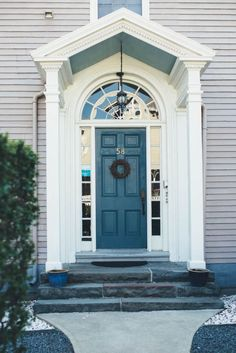 What better place to look for inspiration than in our own backyard of Newport, Rhode Island. We rounded up the 9 best paint colors for front doors.