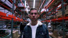 Natos y Waor - BOTELLA PARA DOS [Barras Bravas Vol. 13] Rap, Hip Hop, Youtube, Famous People, Video Clip, Barbell, Bottles, Musica, Fotografia