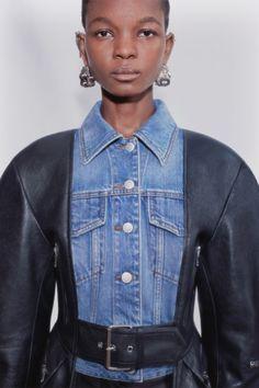 Alexander Mcqueen, High Fashion, Fashion Beauty, Fashion Show, Vogue Paris, Crombie Coat, Pegged Jeans, Pique Shirt, Bustier Dress