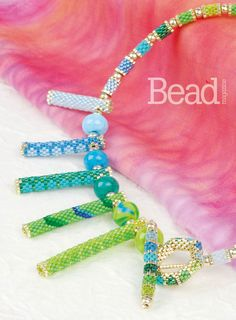 Just an idea of how to use the tube beads. Beaded Necklace Patterns, Seed Bead Patterns, Jewelry Patterns, Beading Patterns, Bead Jewellery, Seed Bead Jewelry, Beaded Jewelry, Beaded Bracelets, Beaded Bead
