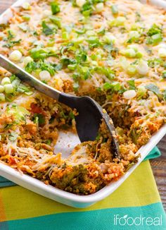 Clean Chili Chicken, Kale & Quinoa Casserole - healthy, no pre-cooking quinoa casserole but with all the flavours of chili.
