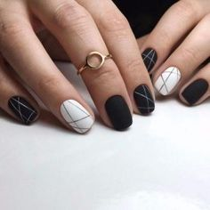 Black and White Nails with Lines