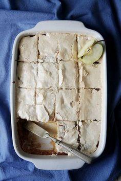 recette du gâteau macaronné aux pommes Thermomix Desserts, No Cook Desserts, Sweets Recipes, Apple Recipes, Delicious Desserts, Macaroon Cake, Food Inc, Dessert Aux Fruits, Healthy Cake