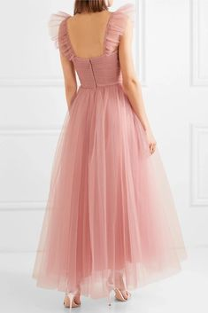 Blush pink prom dresses - Monique Lhuillier Ruffled ruched tulle and silk crepe de chine gown – Blush pink prom dresses Blush Pink Prom Dresses, Black Prom Dresses, Spring Dresses, Maxi Dresses, Pink Dress, Pink Skirts, Pink Tulle, Disney Dresses, Pink Silk