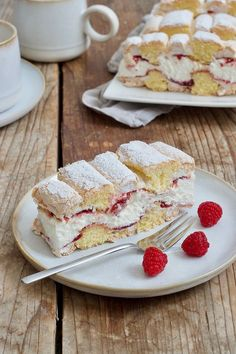 Kardinalschnitte – Famous Last Words Desserts Français, Winter Desserts, French Desserts, Pudding Desserts, Lemon Desserts, Holiday Desserts, Dessert Recipes, Sweet Pastries, French Pastries