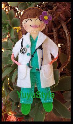Yuyu Style _ Macramé y más: Mas broches de profesiones en Fieltro