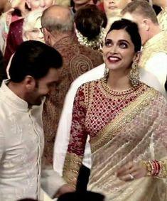 Inside Isha Ambani's wedding: Mukesh Ambani gets emotional, Deepika Padukone-Ranveer Singh's pics are a riot Silk Saree Blouse Designs, Fancy Blouse Designs, Blouse Neck Designs, Indian Wedding Outfits, Indian Outfits, Deepika Padukone Style, Deepika Ranveer, Ranveer Singh, Stylish Blouse Design