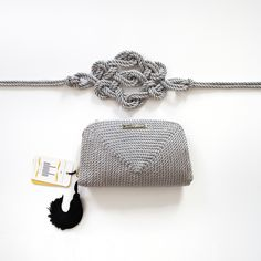 ● Bolso de fiesta y cinturón hecho en cordón de seda | Modelo Jimena y Marieta en gris plata | Diseños OLVIDO MADRID | www.olvidomadrid.es
