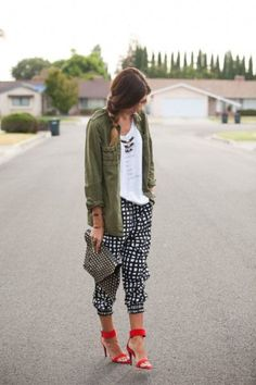 Looks Street Style, Looks Style, Looks Cool, Spring Summer Fashion, Autumn Fashion, How To Wear Joggers, Mode Lookbook, Look Fashion, Fashion Outfits