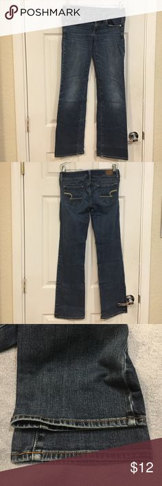 American Eagle Outfitters Slim Boot Jeans, sz 2 Gently worn slim bootcut style jeans with well-cared for hems but unfortunately, has wear on the belt-loops. Made of 99% cotton, 1% spandex. American Eagle Outfitters Jeans Boot Cut