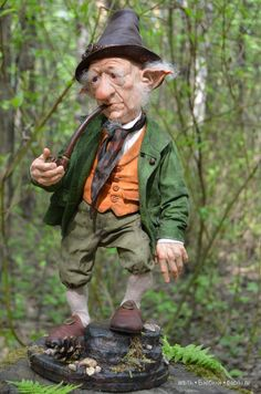 Very nice gnome. Elves And Fairies, Clay Fairies, Troll Dolls, Fairy Dolls, Dragons, Marionette, Vintage Witch, Polymer Clay Dolls, Celtic Art