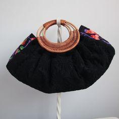 藤持ち手バッグ Dorry刺繍 黒