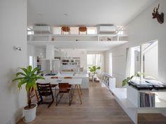 Marzua: La casa esquina en Kitashirakawa por UME architect...