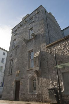 Exterior of Lynch's Castle, Galway