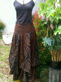 Rok tumpuk Kebaya Lace, Batik Kebaya, Batik Dress, Batik Fashion, Skirt Fashion, Ethnic Fashion, Rok Batik Modern, Batik Parang, Model Kebaya