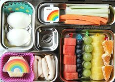 Celery-carrots-and-a-small-container-of-dip-hard-boiled-eggs-some-lunch-meat-and-crackers-and-fresh-fruit-all-in-a-fun-PlanetBox-lunchbox-via-Family-Fresh-Meals.jpg (564×407)