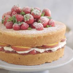 A Great British classic, the Victoria Sponge is the queen of cakes – and the centrepiece for any traditional afternoon tea worth its salt. Victoria Sandwich Cake, Savory Pancakes, Vanilla Sponge, Victoria Sponge, British Baking, Great British Bake Off, Mary Berry, Cake Tins, Sponge Cake