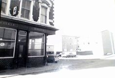 The Queen's pub. Queens Road, L6